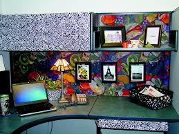 Cute Ways To Decorate Cubicle by 155 Best Cubicle Decor Images On Pinterest Indoor Fountain