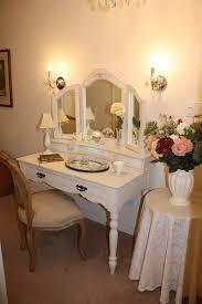 Vanity Mirror Dresser Set by Fantastic Design Ideas Using Bedroom Vanity Mirror With Lights