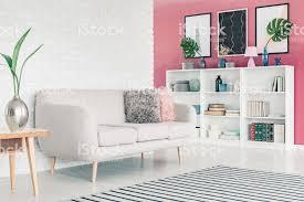 pink wohnzimmer stockfoto und mehr bilder beige
