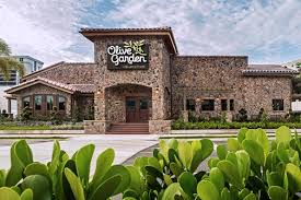 Olive Garden reports $8M in sales opens 2nd restaurant