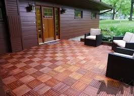 pinterest teki 25 den fazla en iyi interlocking deck tiles fikri