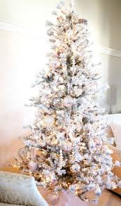 Christmas Tree Bead Garland Ideas by 104 Best Christmas Tree Ideas Images On Pinterest Christmas Time