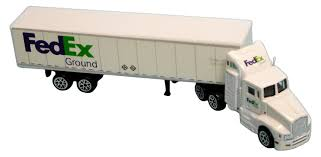 Amazon.com: Daron FedEx Ground Tractor Trailer: Toys & Games