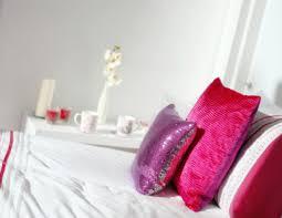 The 3 Best Places To Shop For Cheap Chic Dorm Decor