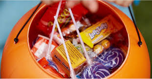 Halloween Candy Carb List by Calories In Halloween Candy Fun Size Treats Popsugar Fitness