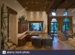 bar theke im wohnzimmer der luxusvilla
