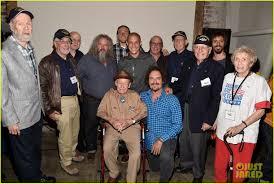 Halloweentown 2 Cast by Charlie Hunnam U0027s Jax Is In A U0027schizophrenic State U0027 During Final