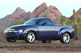 2003 Chevrolet SSR Reviews And Rating | MotorTrend