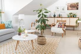wohnzimmer mit pflanzen dekorieren caseconrad