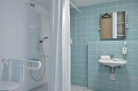 barrierefreies badezimmer in unserem b b hotel erlangen