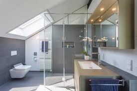 badezimmer fliesen spiegel hängeschrank huf haus