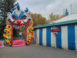 Halloween Haunt Kings Island Hours by Wonderland Halloween Haunt Bus Bootsforcheaper Com