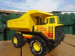 Vintage Tonka Truck Turbo-Diesel Yellow Dump Truck 17