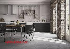sol de cuisine cuisine avec carrelage gris anthracite pour idees de deco de cuisine