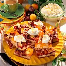 pflaumen aprikosen hefekuchen vom blech mit eierlikör