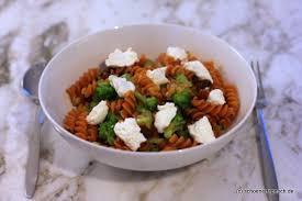 brokkoli linsen pasta mit getrockneten aprikosen ricotta
