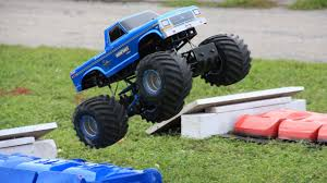 Trigger King R/C Monster Truck Racing At The Bigfoot 4x4 Open House ...