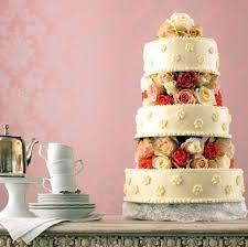 Hochzeitstorte Mit Erdbeeren Und Limetten Erdbeer Hochzeitstorte Rezept Essen Und Trinken