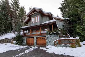 100 Whistler Tree House 2615 Road Zoloca