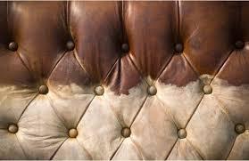 renovation cuir canapé nettoyer et entretenir un canapé ou fauteuil en tissu alcantara
