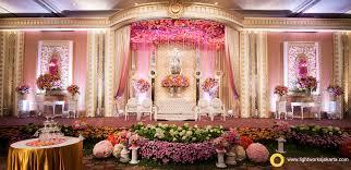 Edmund And Sulfinas Wedding Reception Venue At Shangri La Hotel Decorated By Grasida