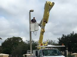 100 Bucket Truck Repair Electrical Code Corrections Miami FL Electric Service