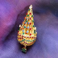 Warner Chandelier Christmas Tree Pin
