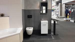 bad sanitär fliesen naturstein mobau dörr und reiff