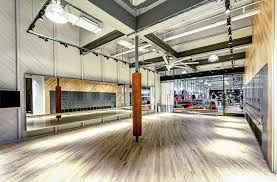 salle de sport nike crée une boutique qui fait office de salle de sport ideal