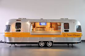 Airstream Italy - Concessionario Esclusivo Dei Fantastici Trailer E ... Jamie Olivers Airstream Food Truck Food Trucks Pinterest Food The Images Collection Of A Corner Trailer Taco Honorary 2 Boomerang Blog Austin Airstream Truck Scene Diet For A Tiny House Selling Cupcakes From An Stock Photo Italy Ccessnario Esclusivo Dei Fantastici E Remorque Airstream Diner One Pch Automotive Seaside Trucks Scenic Sothebys Intertional Kc Napkins Rag Port Fonda Taco Tweets Rhpiecomaairstreamfoodtruckinterior