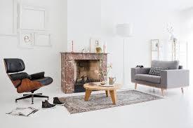 klassiker lounge chair coffeetable und bild kaufen