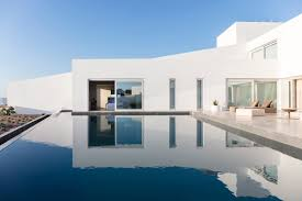 100 Villa Architects Summer Plays On Santorinis Traditional Whitewashed Houses