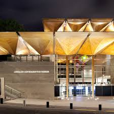 Luke Hayes Photography Auckland Art Gallery Enhancing The Buildings Entrance Creates A Sense Of Connection To