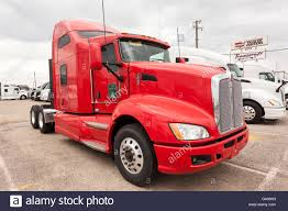 New Kenworth T680 Truck Stock Photo: 105727657 - Alamy