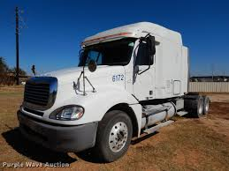 100 Stephenville Truck And Trailer 2005 Freightliner Columbia Semi Truck Item DC5984 SOLD