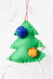 Christmas Tree Toppers Uk by Diy Free Printable Reindeer And Christmas Tree Decorations