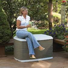 Rubbermaid Patio Storage Bench by Best 25 Rubbermaid Outdoor Storage Ideas On Pinterest Diy