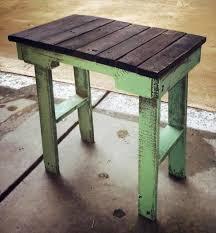 5 nuevas mesas hechas con viejos palets pallet side table