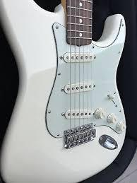 2 Of 10 2011 Fender Artist Series John Mayer Stratocaster Olympic White