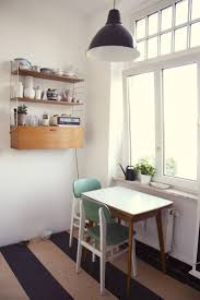 Breakfast Nook Ideas For Small Kitchen by Best 25 Small Kitchen Tables Ideas On Pinterest Little Kitchen