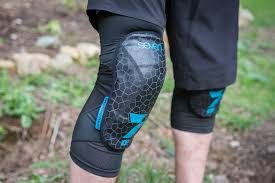 Professional Floor Layer Knee Pads by Protect Your Knees Kneesafe Com