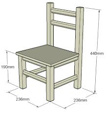 chaise enfant en bois chaise pour enfant travail du bois