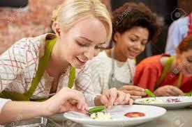 cours de cuisine de l amitié de la nourriture et les gens notion