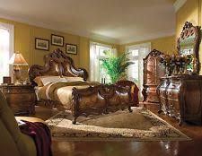 Palais Royale King 6 Piece Traditional Bedroom Furniture Set
