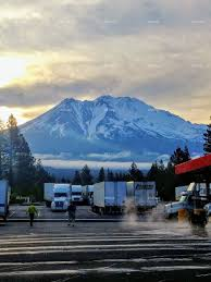 100 Pilot Truck Stop Store Foapcom Sunrise On Mt Shasta Weed California