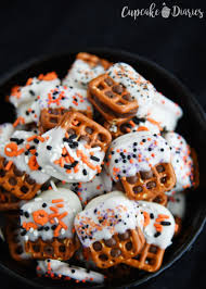 Halloween Pretzel Rods by 100 Ghostly Halloween Pretzels Halloween Party Favors Ghost