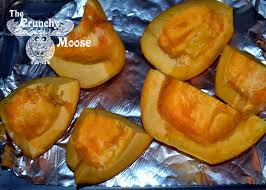 Roasting Pumpkin For Puree by How To Puree A Pumpkin The Crunchy Moose