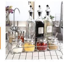 großhandel 2020 neue kreative und moderne öl flasche gewürzbehälter eisenrahmen anzug für die praktische aufbewahrung küche liefert würze speicher