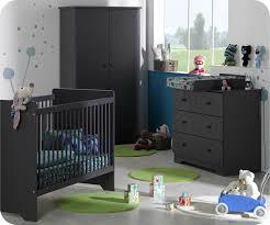 quand préparer la chambre de bébé chambre bébé quand la préparer idées de décoration et de