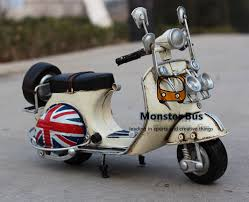National Flag Classic Motorcycle Model 100 Handmade Old Iron Sheet VESPA 112 Retro Metal Piaggio Scooter Sheep Motor Kid In Diecasts Toy Vehicles